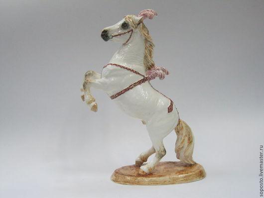 Статуэтки ручной работы. Ярмарка Мастеров - ручная работа. Купить Цирковой пони на дыбах. Handmade. Скульптура, цирк