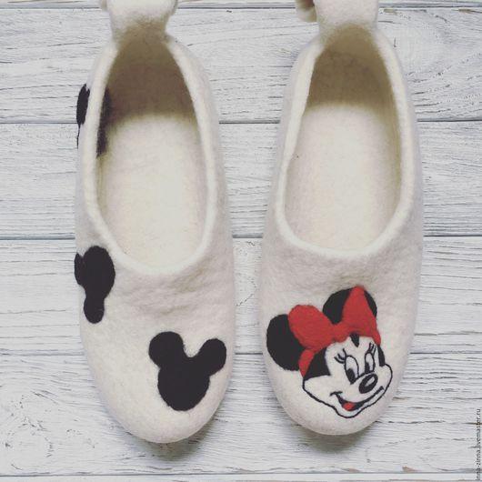 Обувь ручной работы. Ярмарка Мастеров - ручная работа. Купить Тапочки Войлочные женские. Handmade. Белый, минни, тапочки из шерсти