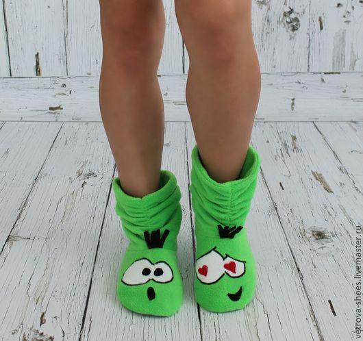 """Обувь ручной работы. Ярмарка Мастеров - ручная работа. Купить Домашние сапожки """"Смайлики про любоff"""". Handmade. Ярко-зелёный"""