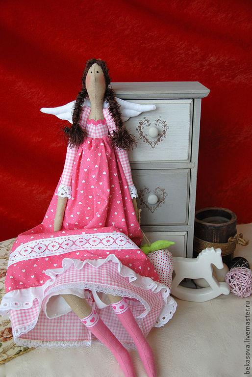 """Куклы Тильды ручной работы. Ярмарка Мастеров - ручная работа. Купить Тильда """"Клубничный Ангел""""розовый. Handmade. Розовый, кукла текстильная"""