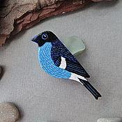 Украшения ручной работы. Ярмарка Мастеров - ручная работа Брошь синяя птица (синий снегирь, брошь птица, птица брошь). Handmade.