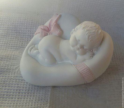 """Материалы для косметики ручной работы. Ярмарка Мастеров - ручная работа. Купить 3D Силиконовая форма для мыла """"Малыш спит на подушечке"""". Handmade."""