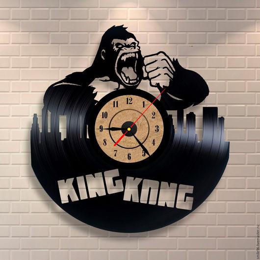 """Часы для дома ручной работы. Ярмарка Мастеров - ручная работа. Купить Часы из виниловой пластинки """"King Kong"""". Handmade. Комбинированный"""
