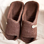 """Обувь ручной работы handmade. Livemaster - original item Мужские валяные тапки """"Шоколад"""". Handmade."""