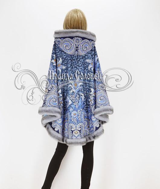Пальто-пончо с отстегивающимся капюшоном Морозко-18 с искусственный мехом
