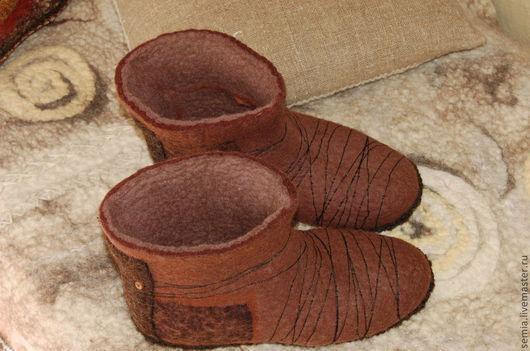 Обувь ручной работы. Ярмарка Мастеров - ручная работа. Купить Мужские домашние тапочки-сапоги коричневые №1. Handmade. Коричневый