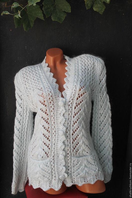 Кофты и свитера ручной работы. Ярмарка Мастеров - ручная работа. Купить Вязаный эксклюзивный женский кардиган белоснежный с пухом. Handmade.