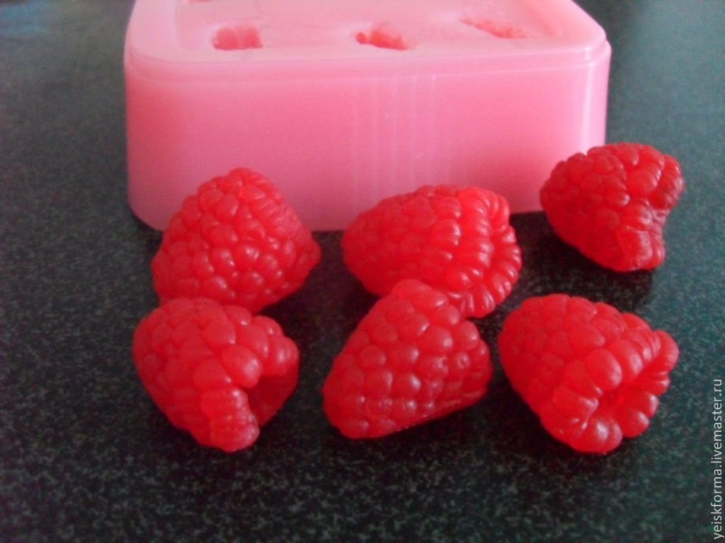 Силиконовая форма для мыла ягоды