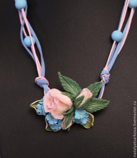 Колье, бусы ручной работы. Ярмарка Мастеров - ручная работа. Купить Ожерелье  с розами и незабудками из полимерной глины. Handmade. Разноцветный