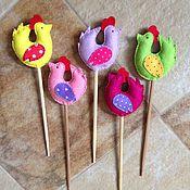 Подарки к праздникам ручной работы. Ярмарка Мастеров - ручная работа Петушки на палочке. Handmade.