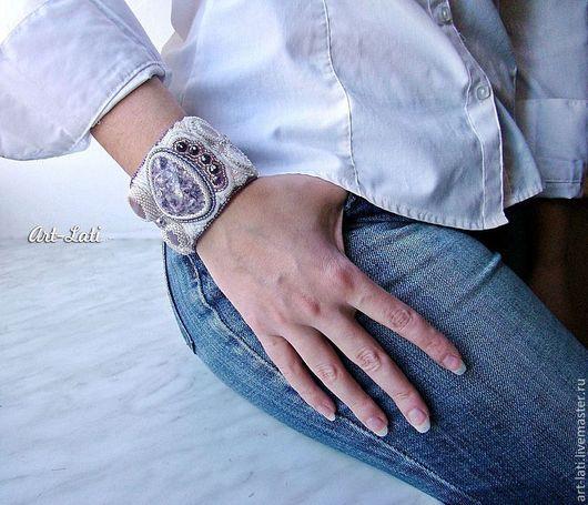 """Браслеты ручной работы. Ярмарка Мастеров - ручная работа. Купить Браслет """"Lavender fresh"""". Handmade. Сиреневый, блестящий, стильный браслет"""