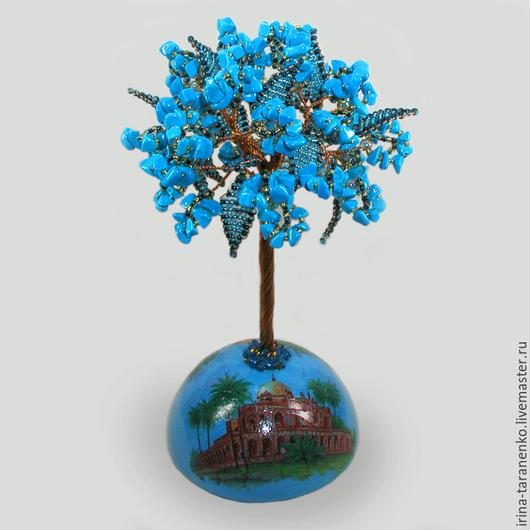 Дерево из бирюзы `Индийские мотивы` на расписной сфере