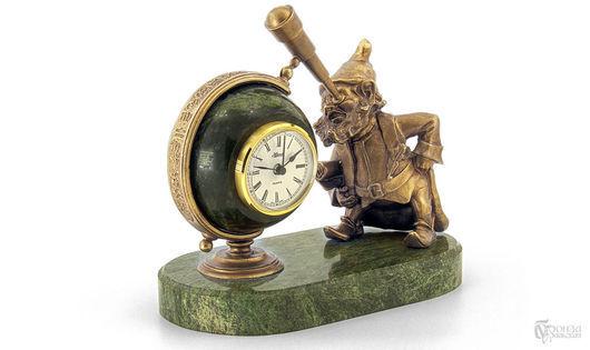 Часы для дома ручной работы. Ярмарка Мастеров - ручная работа. Купить Гномик-астроном. Handmade. Часы, гномик, Литье, скульптура