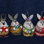 Подарки к праздникам ручной работы. Ярмарка Мастеров - ручная работа Зайки. Елочные игрушки из папье-маше. Handmade.