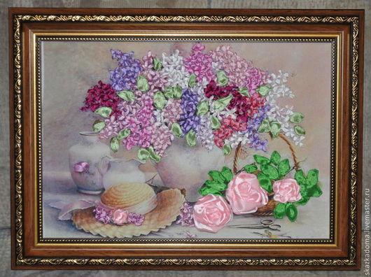 """Натюрморт ручной работы. Ярмарка Мастеров - ручная работа. Купить Картина с вышивкой лентами по принту  """"Букет сирени и розы"""". Handmade."""