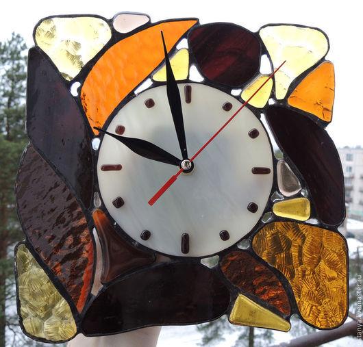 """Часы для дома ручной работы. Ярмарка Мастеров - ручная работа. Купить Часы из стекла """"Мёд гречишный"""". Handmade. Рыжий"""