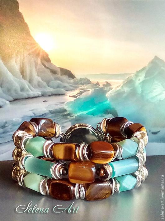Браслет `Ледяной пейзаж` трёхрядный, хорошо держит форму и комфортно сидит на руке. Круглый декоративный замочек легко фиксируется без посторонней помощи, что является удобством и бесспорным приоритетом.