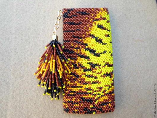 Для телефонов ручной работы. Ярмарка Мастеров - ручная работа. Купить Чехол для телефона. Handmade. Коричневый, чешский бисер