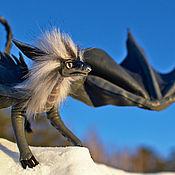 Куклы и игрушки ручной работы. Ярмарка Мастеров - ручная работа Серый дракон с светло-серой гривой и светло-лиловыми глазами. Handmade.