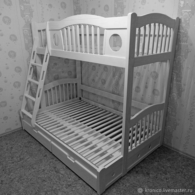 фото двухъярусной кровати ручной работы из массива женщин считают