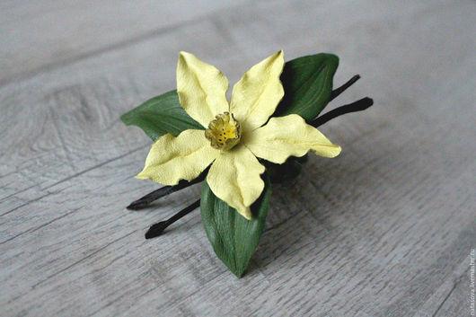 """Броши ручной работы. Ярмарка Мастеров - ручная работа. Купить Брошь """"Vanilla"""". Handmade. Желтый, кожаные украшения, подарок"""