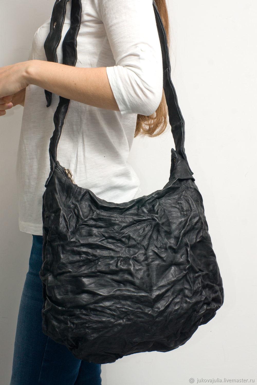 Женские сумки ручной работы. Ярмарка Мастеров - ручная работа. Купить  Дизайнерская черная хобо сумка ... e1cbb3b99fd
