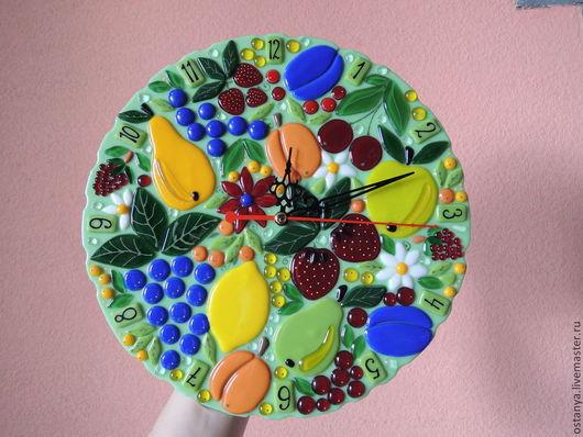 """Часы для дома ручной работы. Ярмарка Мастеров - ручная работа. Купить Часы настенные из стекла """" фруктовый сон"""" фьюзинг. Handmade."""