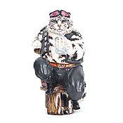 """Подарки к праздникам ручной работы. Ярмарка Мастеров - ручная работа Статуэтка """"Белый тигр байкер"""".. Handmade."""