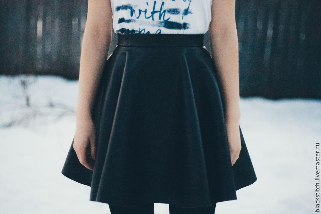 Погладить юбку из кожзама