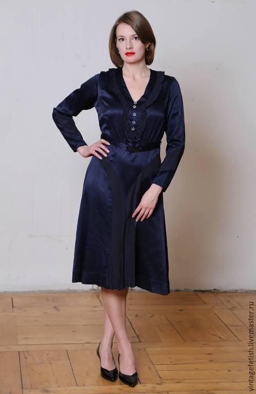 Синее платье 1940-х годов.
