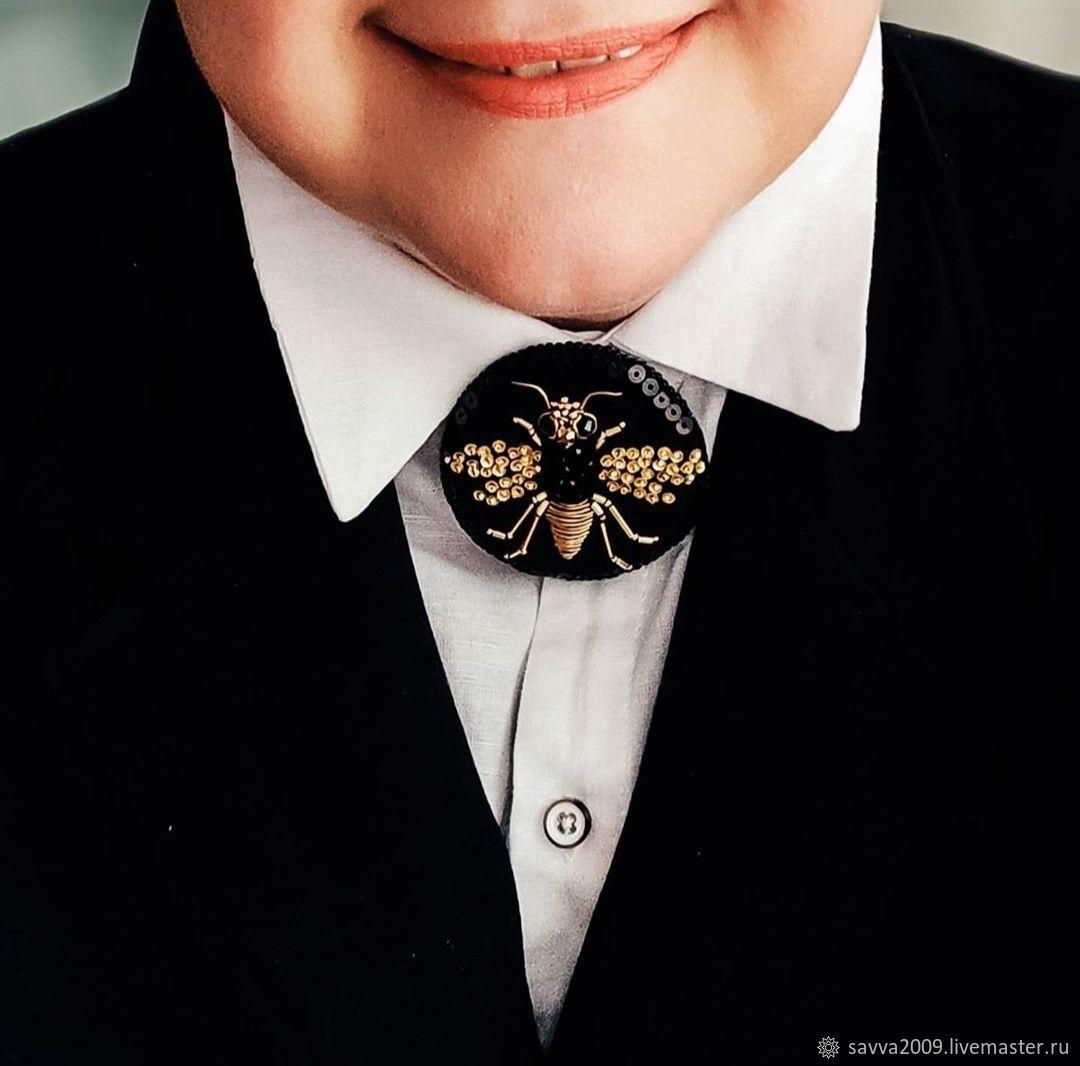 Brooch Bee Golden bee round black brooch embroidery on velvet, Brooches, Yaroslavl,  Фото №1