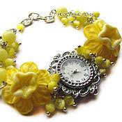 """Украшения ручной работы. Ярмарка Мастеров - ручная работа """"Жёлтые нарциссы"""" наручные часы с бусинами лэмпворк. Handmade."""