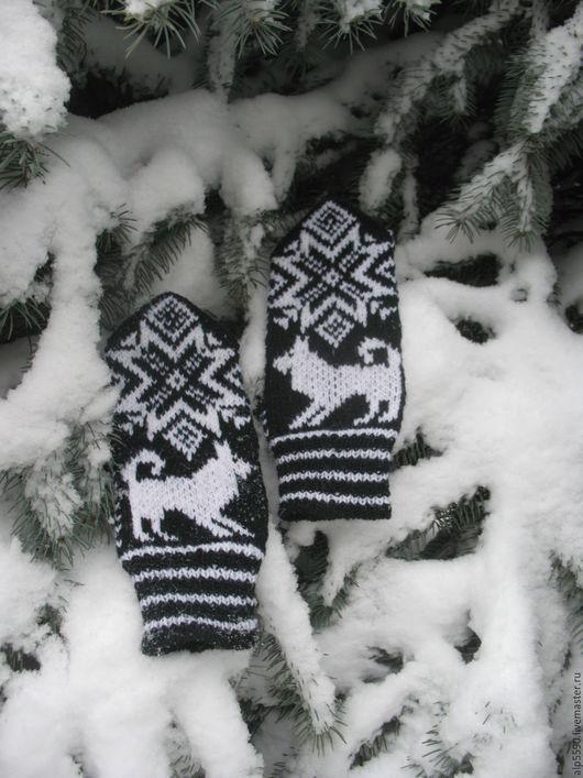 Варежки, митенки, перчатки ручной работы. Ярмарка Мастеров - ручная работа. Купить Варежки мужские снежинка и собака. Handmade. Варежки