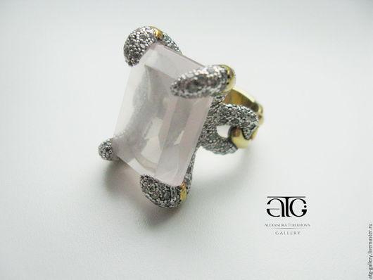 Потрясающее кольцо с крупным роскошным розовым кварцем! 180 фианитов!