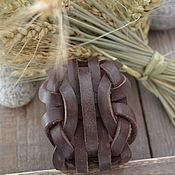 Украшения ручной работы. Ярмарка Мастеров - ручная работа Браслет-плетенка коричневый. Handmade.