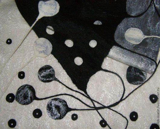 """Шарфы и шарфики ручной работы. Ярмарка Мастеров - ручная работа. Купить Валяный шарф - палантин """"Чёрно-белое"""". Handmade."""