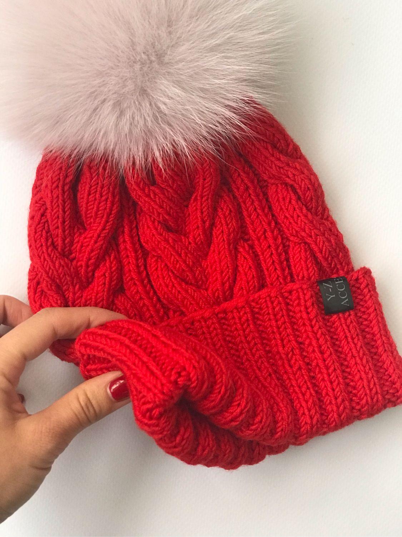 картинки шапок косами мокапах разных цветов