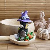 Подарки к праздникам ручной работы. Ярмарка Мастеров - ручная работа Подвеска-статуэтка Домик Хэллоуин. Handmade.