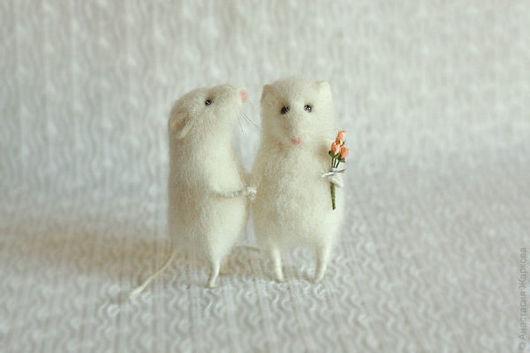 """Игрушки животные, ручной работы. Ярмарка Мастеров - ручная работа. Купить """"Свадебные мышки"""".. Handmade. Белый, крыска, любовь"""