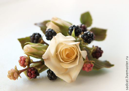 Заколки ручной работы. Ярмарка Мастеров - ручная работа. Купить Заколка с розами и ежевикой. Handmade. Украшение для волос, зажим с розами
