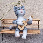 Куклы и игрушки ручной работы. Ярмарка Мастеров - ручная работа Кот с гитарой. Валяная игрушка из шерсти. Handmade.