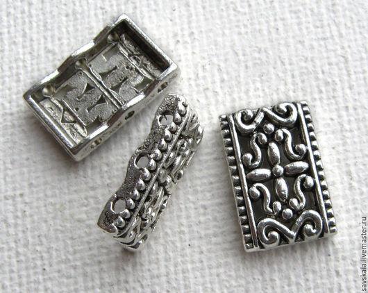 Коннектор прямоугольный, на 3 нити, старинное серебро с узором   17 х 11 мм