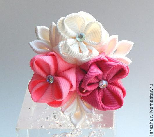 """Заколки ручной работы. Ярмарка Мастеров - ручная работа. Купить Резинка для волос """"Букетик"""" бело-розовый. Handmade. Розовый"""