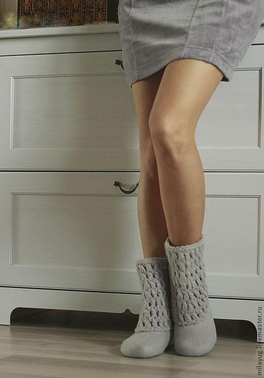 """Обувь ручной работы. Ярмарка Мастеров - ручная работа. Купить """"Silver"""" валяные сапожки для дома.. Handmade. Серый, тапочки домашние"""