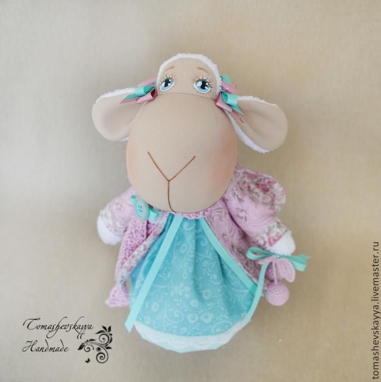 овечка в розовом лифчике