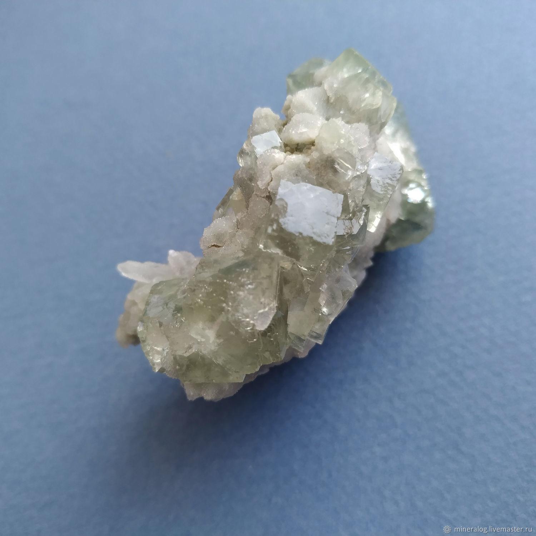 Флюорит кристаллы кубики, светящийся УФ, Минералы, Москва,  Фото №1
