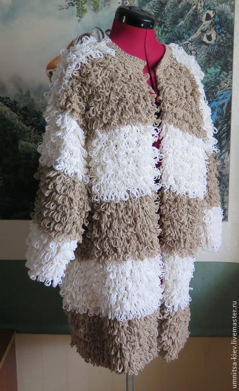 Фото: Шикарный вязаный кардиган `Овечка`. Вязаное пальто воздушными петлями.