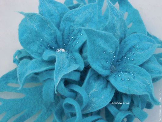 """Броши ручной работы. Ярмарка Мастеров - ручная работа. Купить Брошь """"Голубые лилии"""". Handmade. Голубой, брошь цветок"""