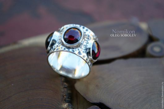 Кольца ручной работы. Ярмарка Мастеров - ручная работа. Купить Этническое кольцо с тремя гранатами или лабрадорами. Handmade. Гранат