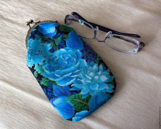 Футляры, очечники ручной работы. Ярмарка Мастеров - ручная работа. Купить Синяя роза - очешник на фермуаре. Handmade. Разноцветный, очечники